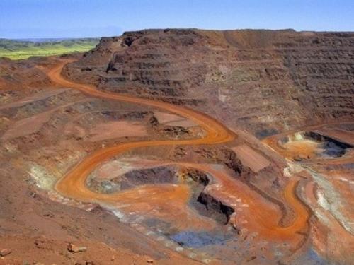 Tratamento de resíduos da mineração de ferro para produção de pozolana
